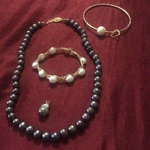 Jewelry - Black pearl necklace, two pearl bracelets/pendant